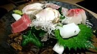 厨 おとと 新鮮刺身と季節のお料理と地酒、いや地酒は飲んでない。生ビールからチューハイカルピスへ。