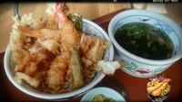 そば 武蔵 天丼とミニそばのセット!!プリプリの大きな海老が二尾も!?えっ!??
