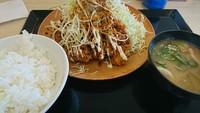 6味スパイス×チキンカツ やみつきスパイスのチキンカツ定食は本当にやみつきになるのか確認中。