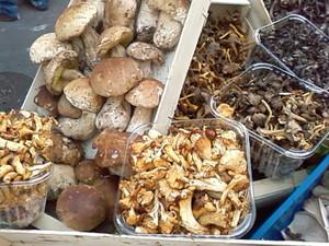 食欲の秋@ムフタールの市場