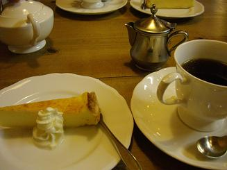 癒しの珈琲と絶品チーズケーキ
