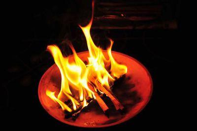 お盆の送り火...御先祖様に思いをはせて...