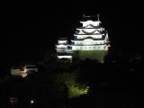 寒い冬でも大丈夫。夜の姫路城