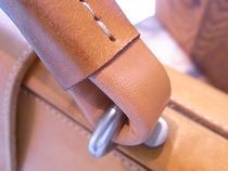 BREEダレスバックの持ち手修理
