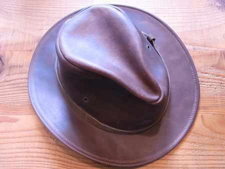 帽子のベルト接着とメンテナンス