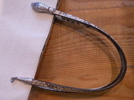 John Galliano トートバック、パイソン持ち手の芯交換