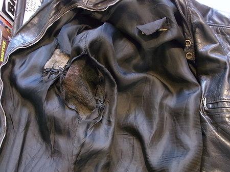 BROOKS レザージャケットの裏地交換と破れ部補修
