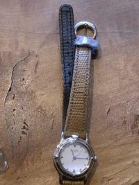 ペルスプーク 腕時計のベルト留交換