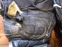 バイク用グローブの修理