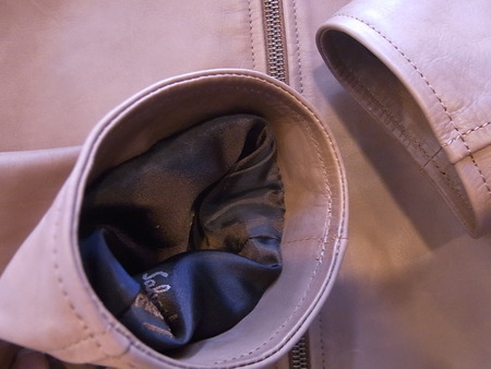 フェラガモ、革ジャケットの袖丈カット