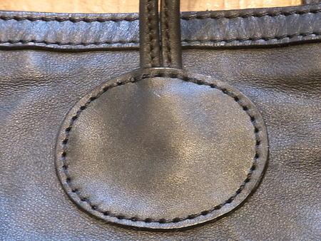 セリーヌ大型鞄、破れ部革あて修理