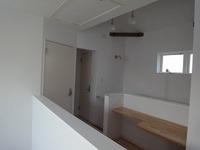 山手台の家 2階も真っ白