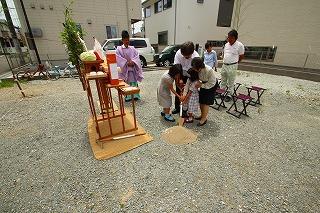 住吉Ⅱの家の1/100模型と儀式