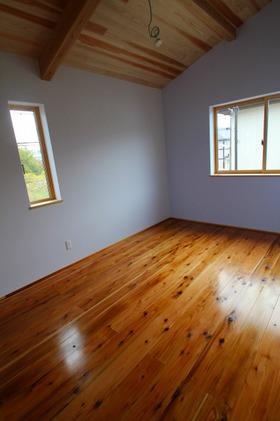 住吉Ⅱの家、子ども部屋に有効なロフト!