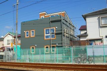 弊社の新ブランド「Ls+H」の建物が建設中です。