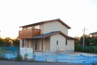 「野谷の家」の外装が完成し、足場を撤去。