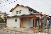 上ノ丸の家、外装完成し、内装・外構工事中