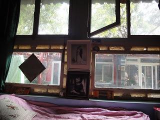 北京の胡同で家庭を訪問