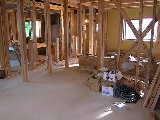 「西脇の家」内部造作中