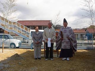 谷八木の家で地鎮祭のしめ縄