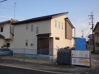 谷八木の家、外装完成