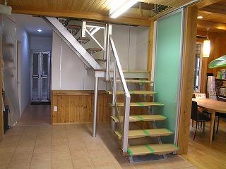アルミ製オープン階段設置