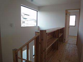 稲美Ⅱの家、吹抜け階段と収納