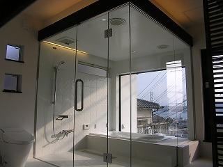 舞子坂の家にホテルのバスルーム