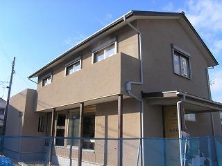 「溝之口の家」、外装完成