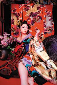 城下町姫路で現代風花魁体験。セクシー&妖艶な姿に大変身!