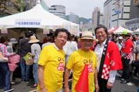 「神戸まつりの兵庫県洋菓子協会のブースでマドレーヌ販売。」