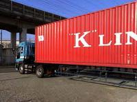 荷物事故防止に向けた商品…トラックボード隙間充填ボード類です。