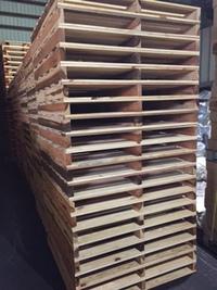 昨日に新規のお客様に納品させていただきました、木製パレットです。