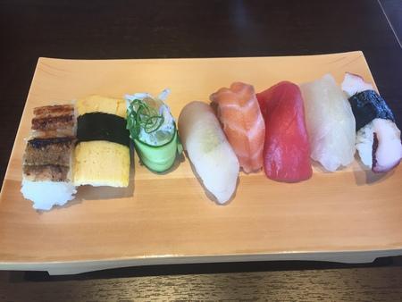 休日のランチは、寿司バイキング