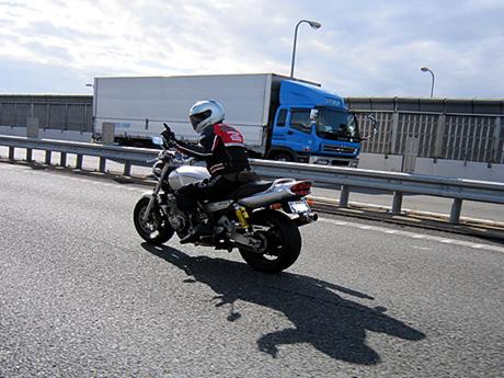 阪神高速は込んでます