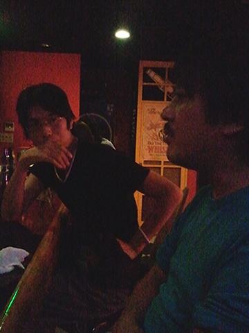 Barにて