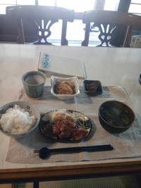 日山ごはんでお昼を頂きます