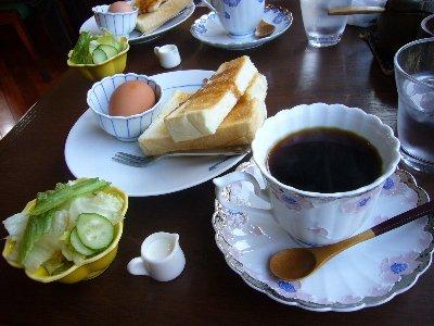 おいしいコーヒーと不思議なお菓子