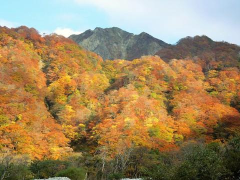 元谷からの三鈷峰