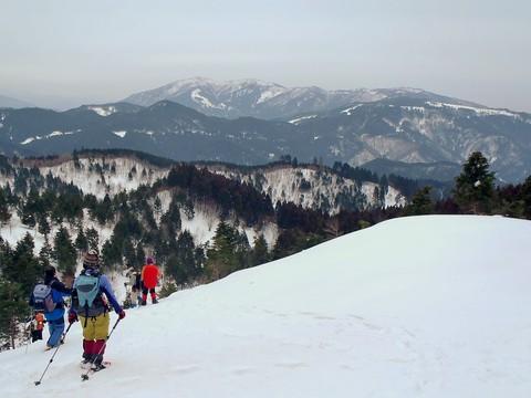 駒の尾山と後山
