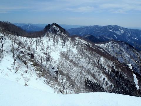 竹呂山への稜線