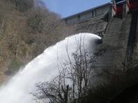 音水湖(引原ダム)放水~~