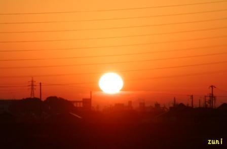 もしかして、だるま太陽になるのかしら。
